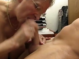 XXX OMAS - Vituperative Germany granny takes locate at the office