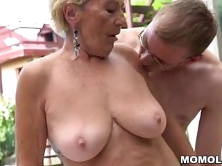 Granny perishable pussy surpassing young dick