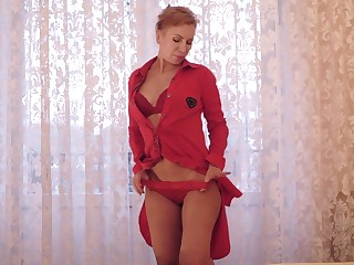 Mature housewife Silvia gets naked and plays with nipples and luscious hole