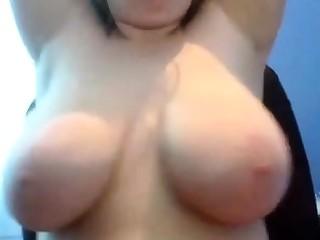 Webcam BBW Shows Off Tits