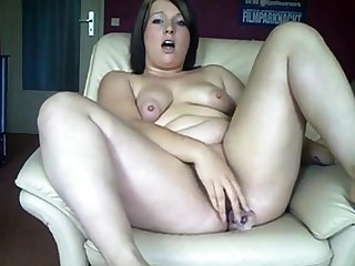 Chubby German girl fucks their way aggravation and pussy surrounding dildos