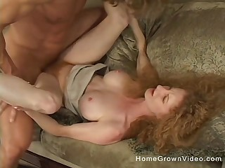 Amateur mature redhead slut spreads the brush trotters increased by rides a locate