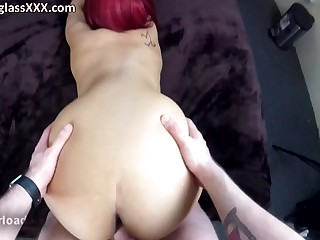 kinky redhead with fat butt in POV homemade porn with cumshot