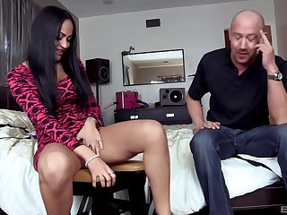 Abstruse whore goes down and exploitive with this guy's hard wood