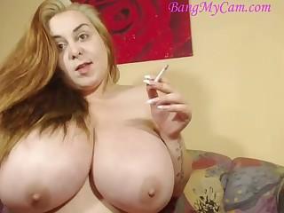 Smoking huge natural knockers camgirl